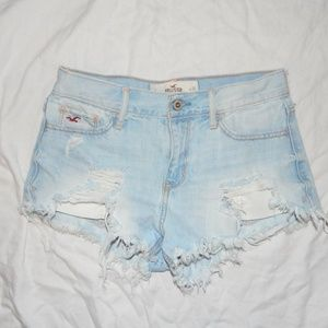 Hollister Jean shorts  size 3 / 26